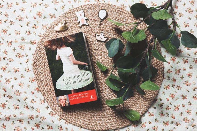 Avis lecture La jeune fille sur la falaise de Lucinda Riley