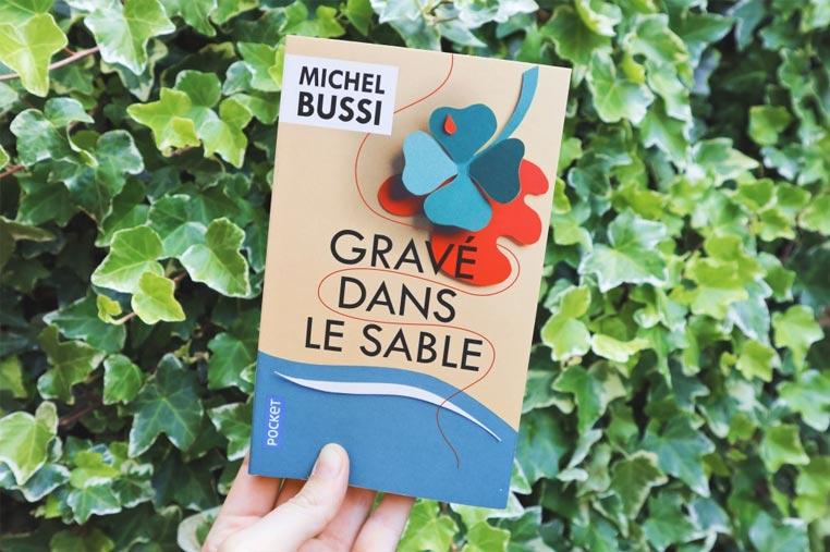 Avis lecture Gravé dans le sable de Michel Bussi